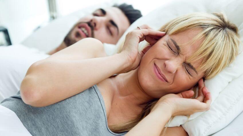 Grootmoeders tips tegen snurken