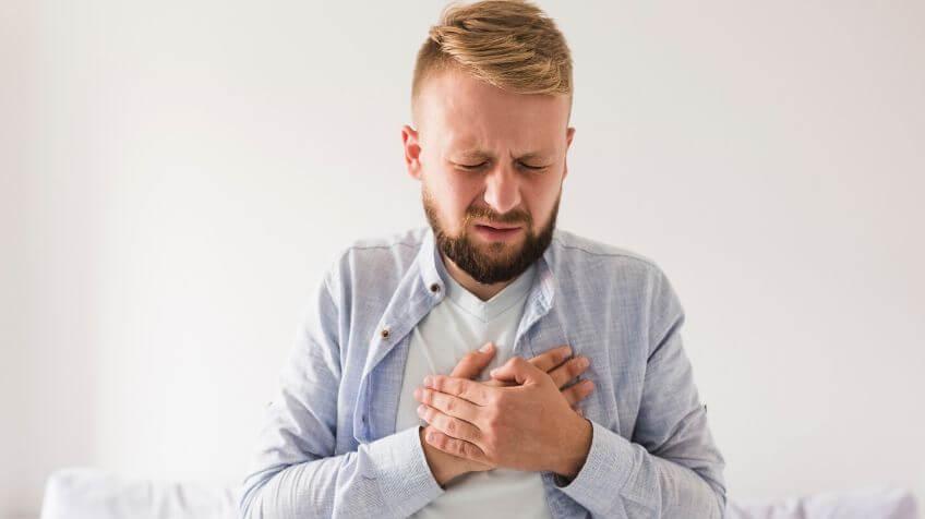 Maagzuur in keel tijdens slapen