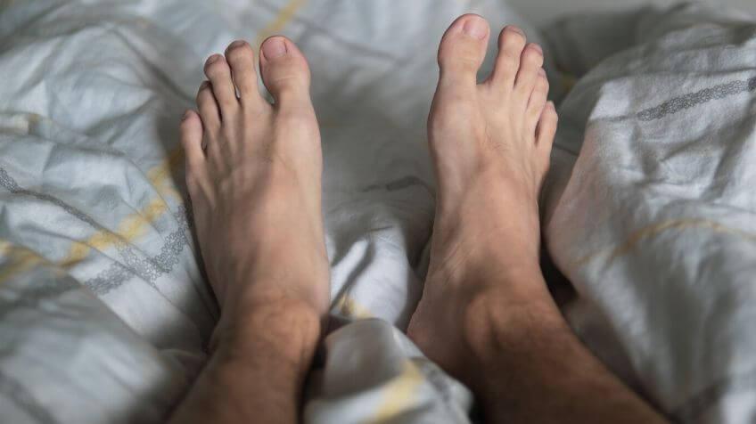 Rusteloze Benen Ontdek Hier Wat Je Kunt Doen Om Weer Beter Te Slapen