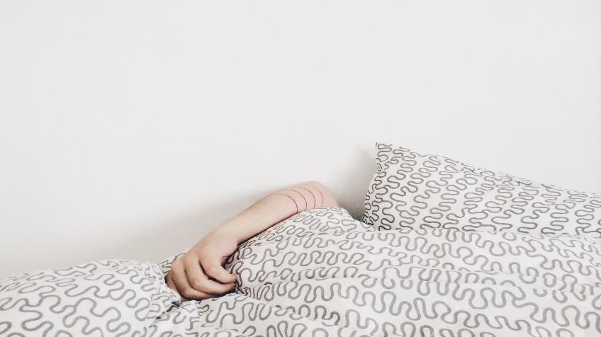 Slapende handen bij wakker worden